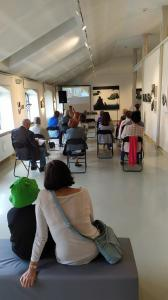 Goście słuchają wykładu Iwy Kruczkowskiej-Król