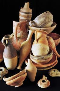 Lampki oliwne oraz naczynia z Cypru