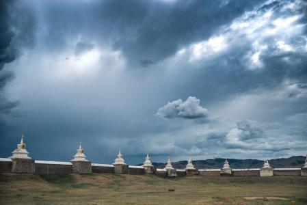 """Stupy starożytnego kapitolu"" Karkorum, Mongolia – lipiec 2017  Fot. Tokpa Korlo"